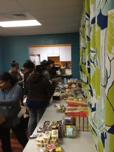 Rescatando (Food give away)